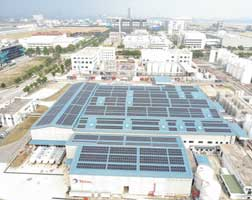 Total solarises its worldwide largest lubricants plant in Singapore